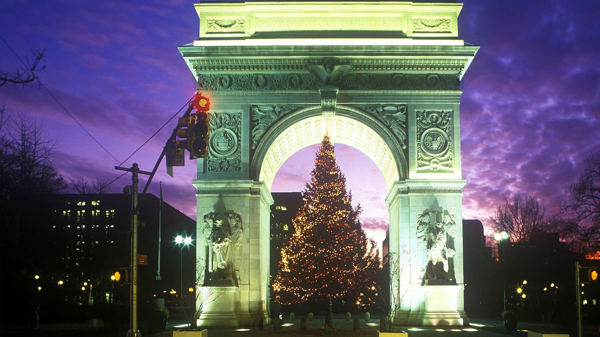 Did You Know Washington Square Parks Christmas Tree Arrives on