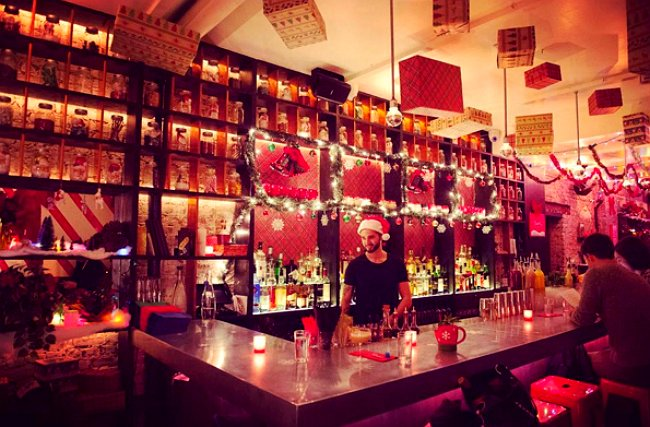 7 Best Nyc Bars Restaurants That Go All Out For The Holidays