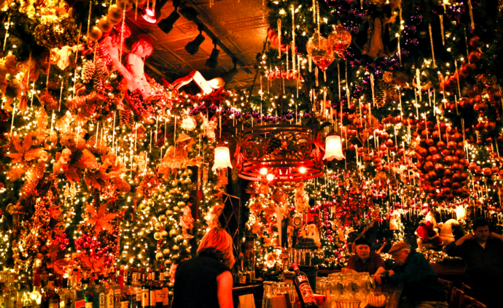 Sipping By The Fire 7 Best Nyc Bars To Literally Warm Up With A